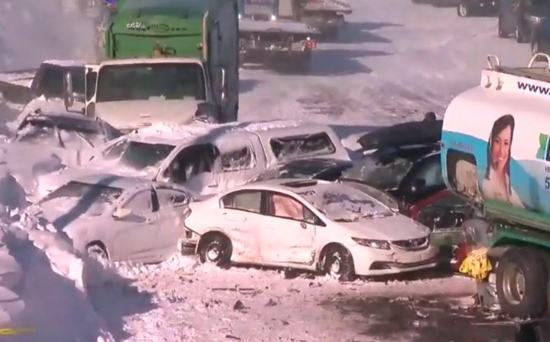 突发! 加拿大超大车祸 200车连撞 70人死伤! 引发灾难的 竟是一阵风