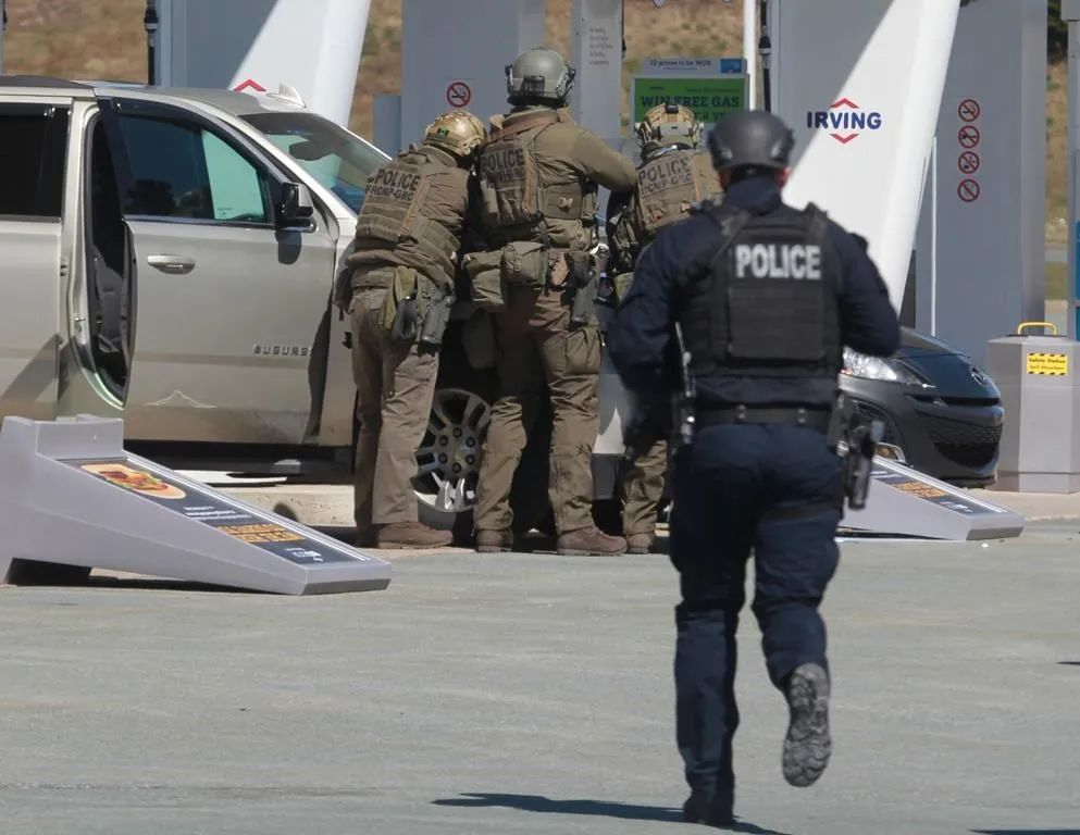 紧急警报再次拉响! 加拿大凶手与女友吵架 端枪扫射聚会人群 辗转16地滥杀无辜!