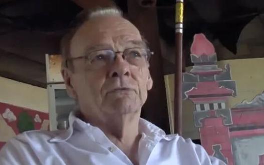 狗血! 加拿大73岁老头狂追17岁亚裔少女 在香港登记成夫妻 真相太阴暗